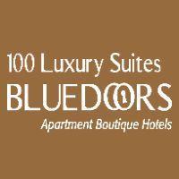 100 Luxury Suites Logo