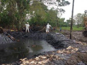 Control de derrames de hidrocarburos en tierra